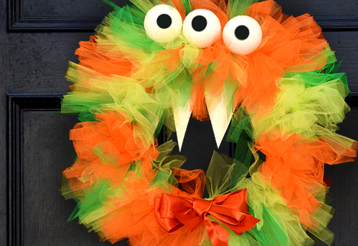 Tulle Monster Wreath Halloween Crafts by Innisbrook